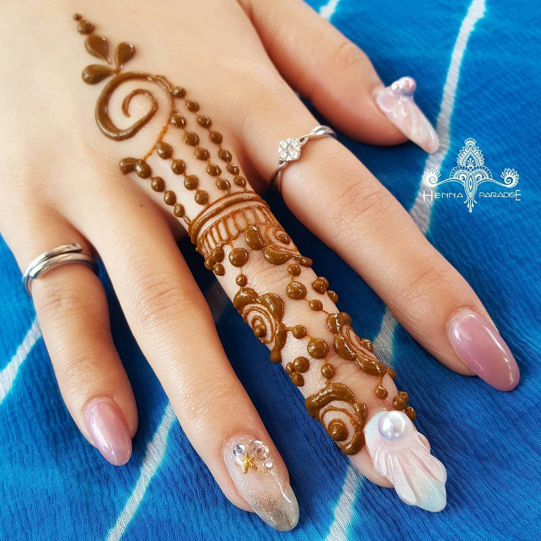 One Finger Simple Beads Mehndi Design