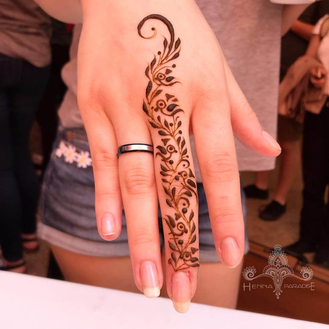 One Finger Leaf And Bird Mehndi Design