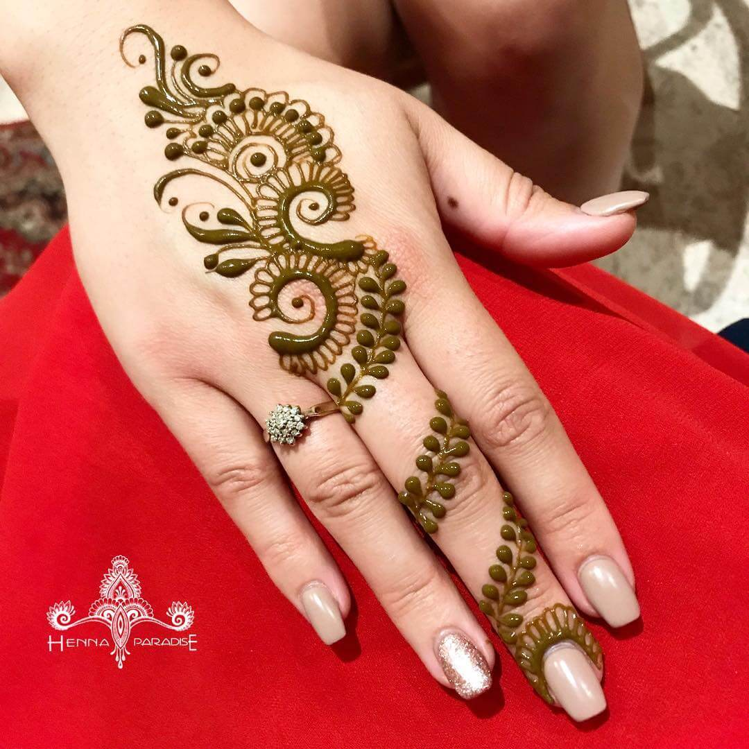 One Finger Flower And Leaf Mehndi Design