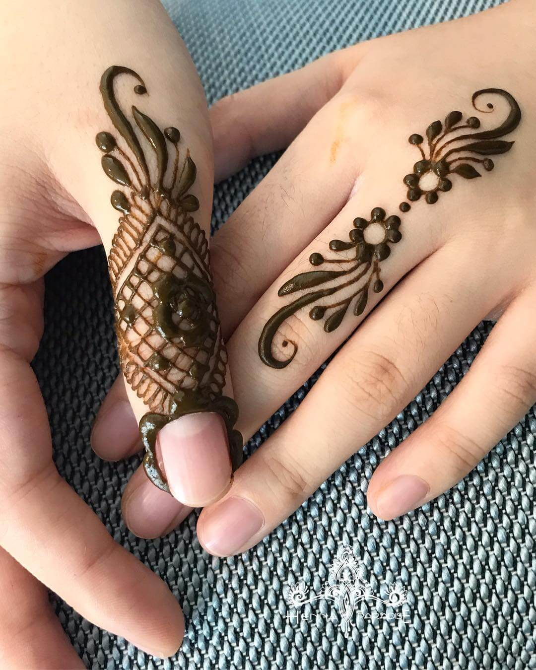One Finger Basic Mehndi Design