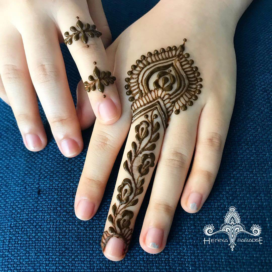 One Finger Special Mehndi Design