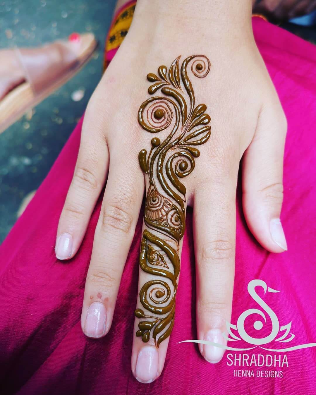 One Finger Leafy Mehndi Design