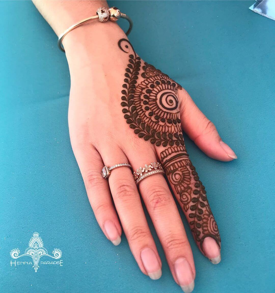 One Finger Heavy Mehndi Design