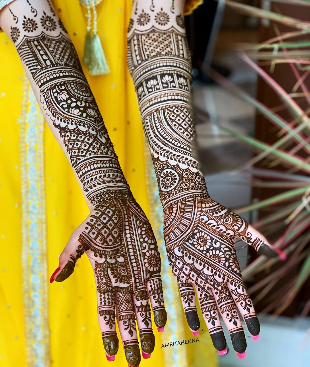 Fascinating Marwari style henna for charming brides