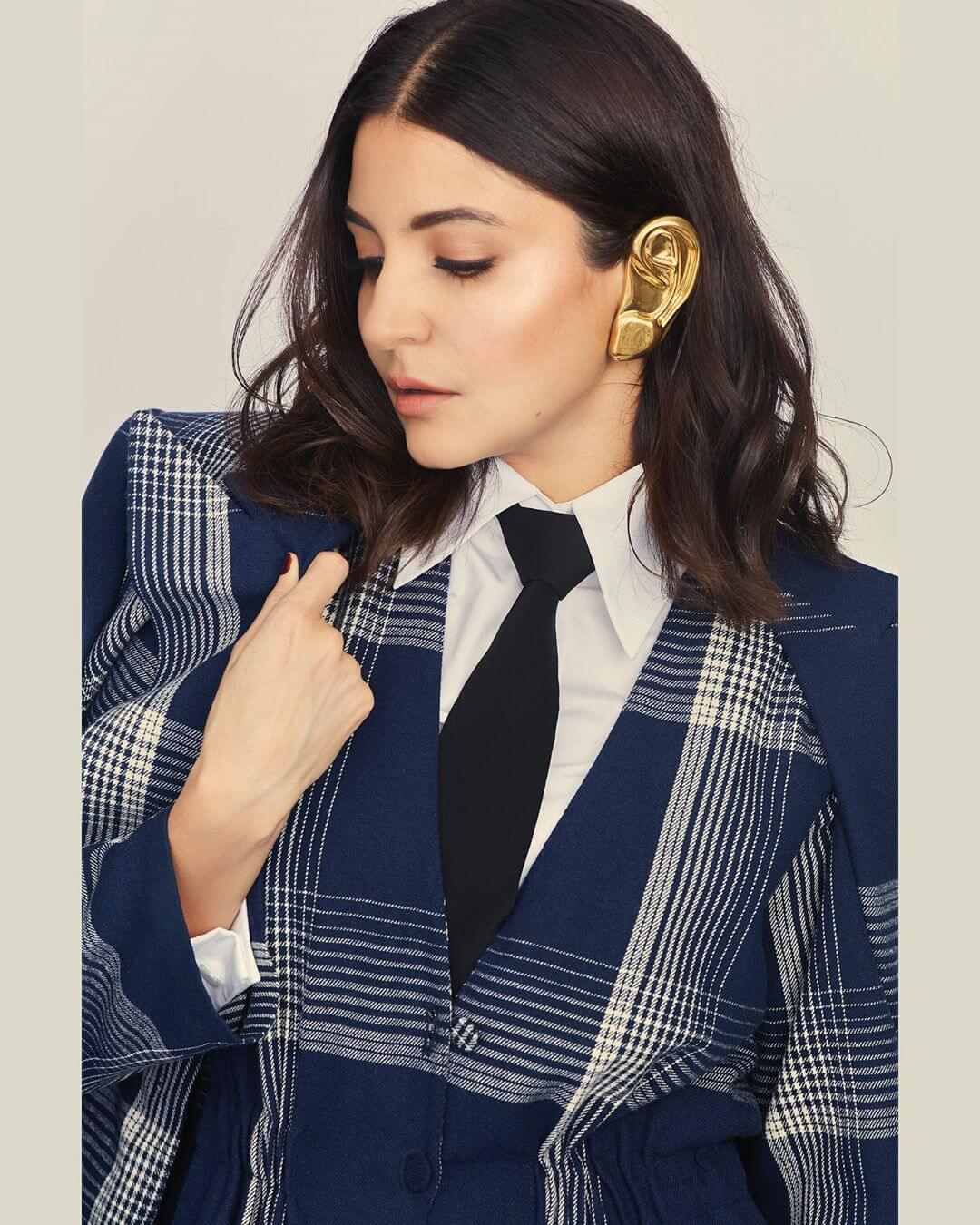 The Ear Cuffs That Became A News Overnight Anushka Sharma's Earring Designs