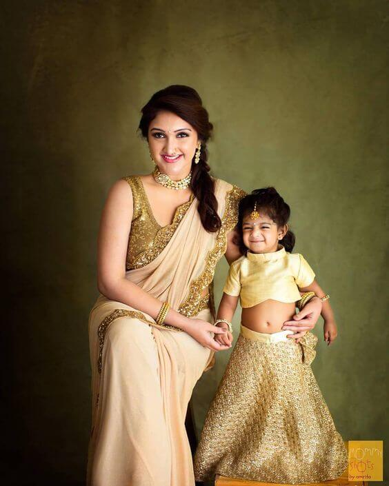 mother and daughter look ravishing and royal in this outfit