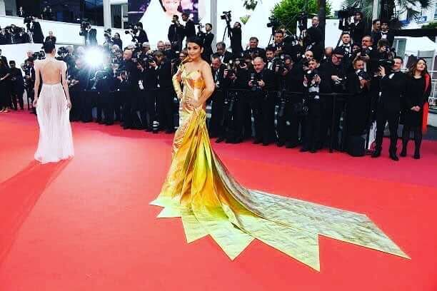 When Aishwarya Got Decked In Gold Plates Cannes Looks By Indian Divas