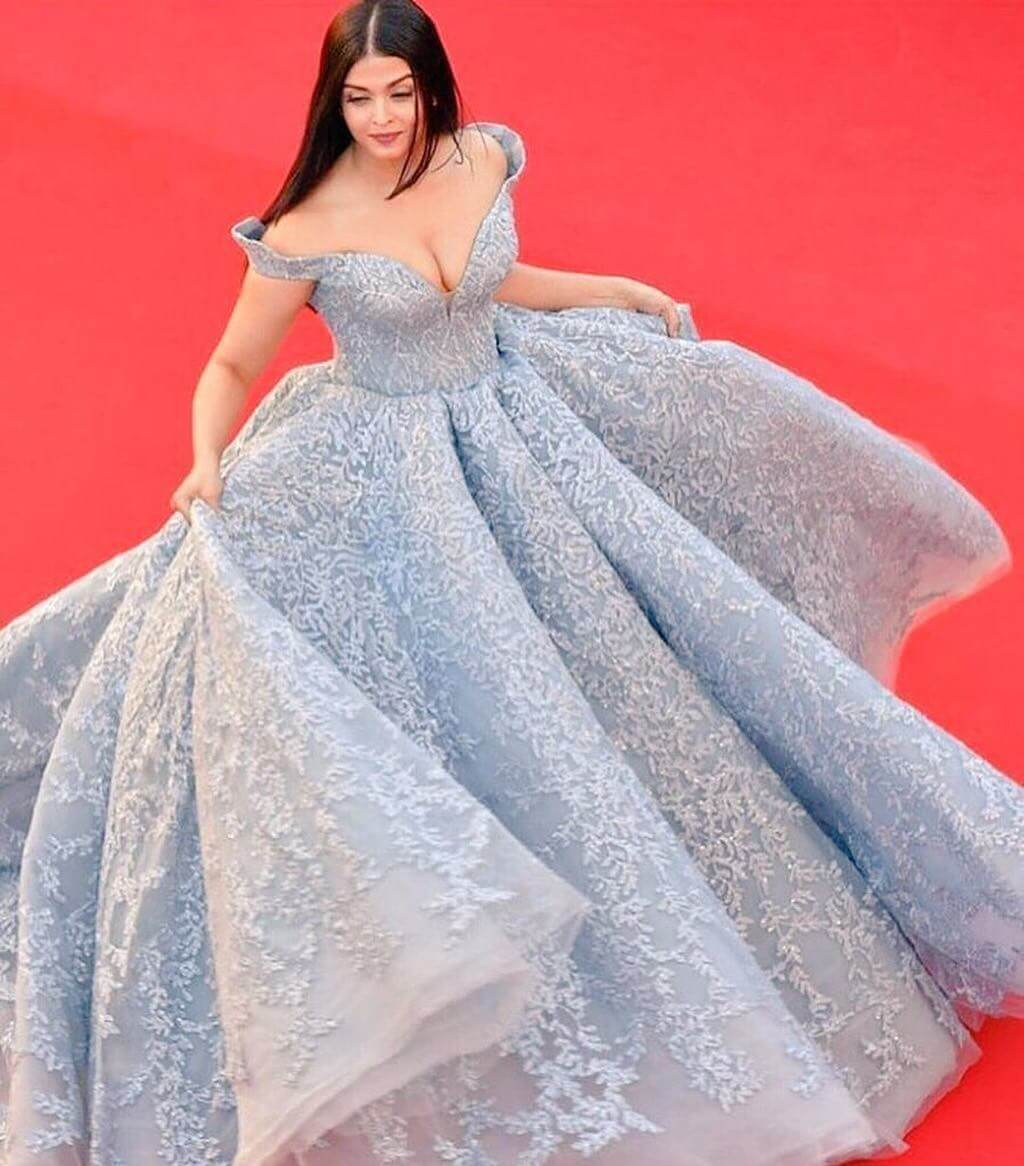 When Aishwarya's Cinderella Dress Made The Heads Turn Cannes Looks By Indian Divas