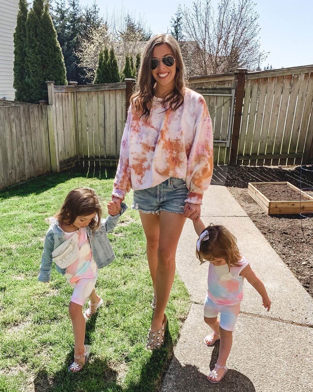 Tie dye trend for the whole family for this Summer