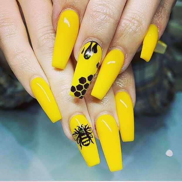 Queen Bee and Beehive Yellow Nail Art Design