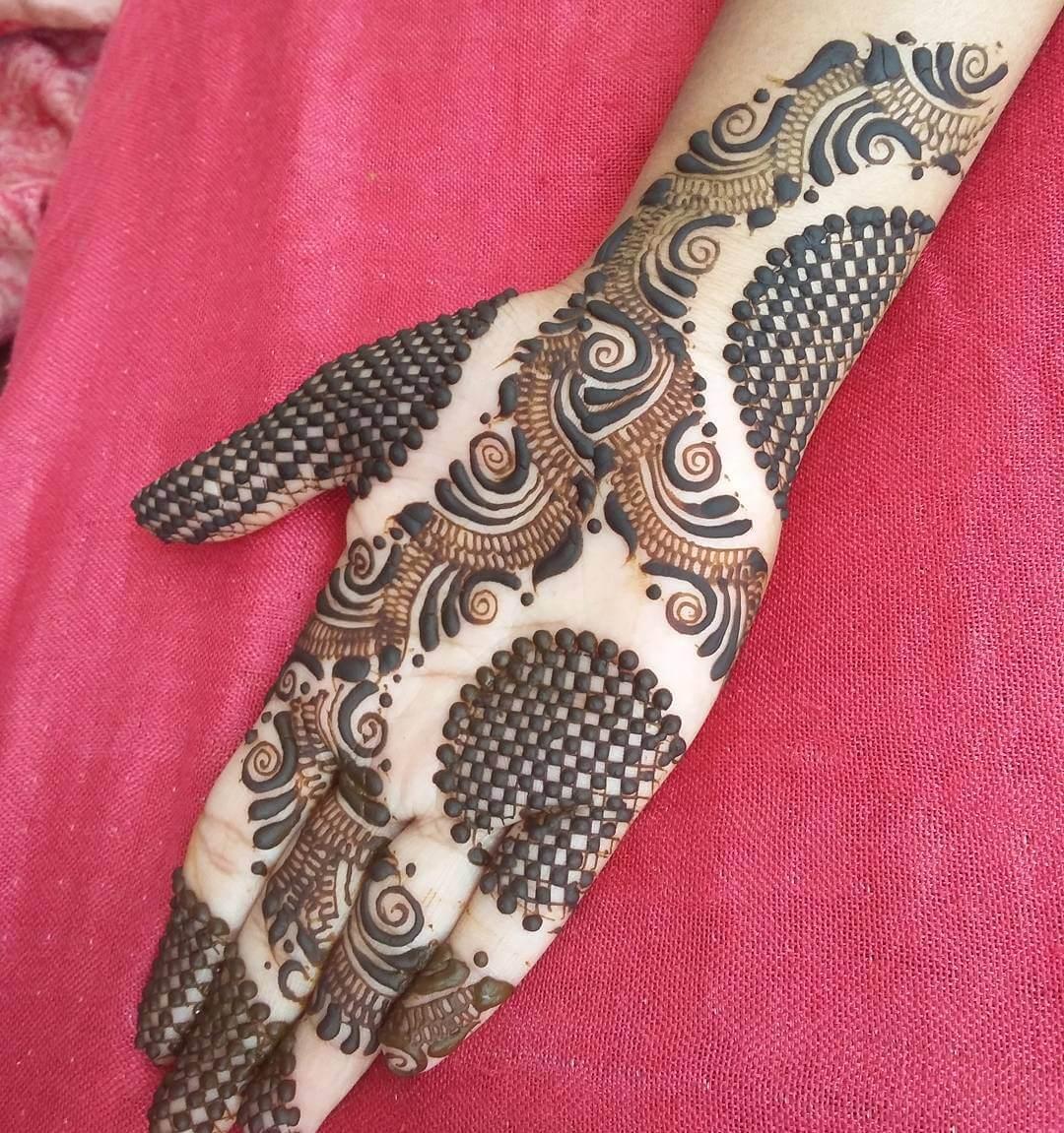 Imposing Spherical Lace Mehndi Full Hand Design
