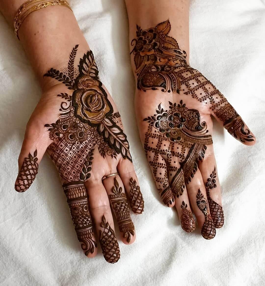 Impressive Rose And Lattice Arabic Design