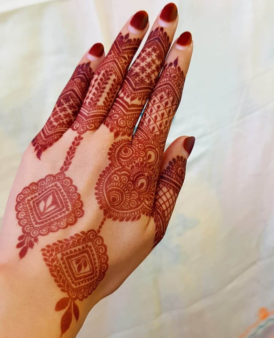 Traditional Designs Latest Mehndi Designs for Raksha Bandhan