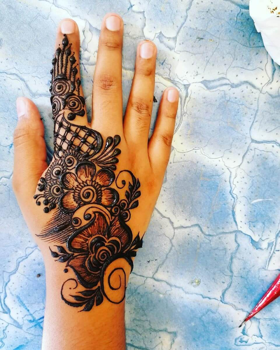 Paisley Patterns Mehndi for Back and Front Hand