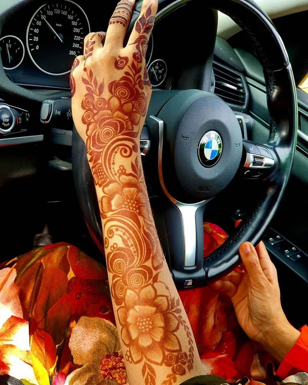 Floral Enthusiasm Mehndi for Back and Front Hand