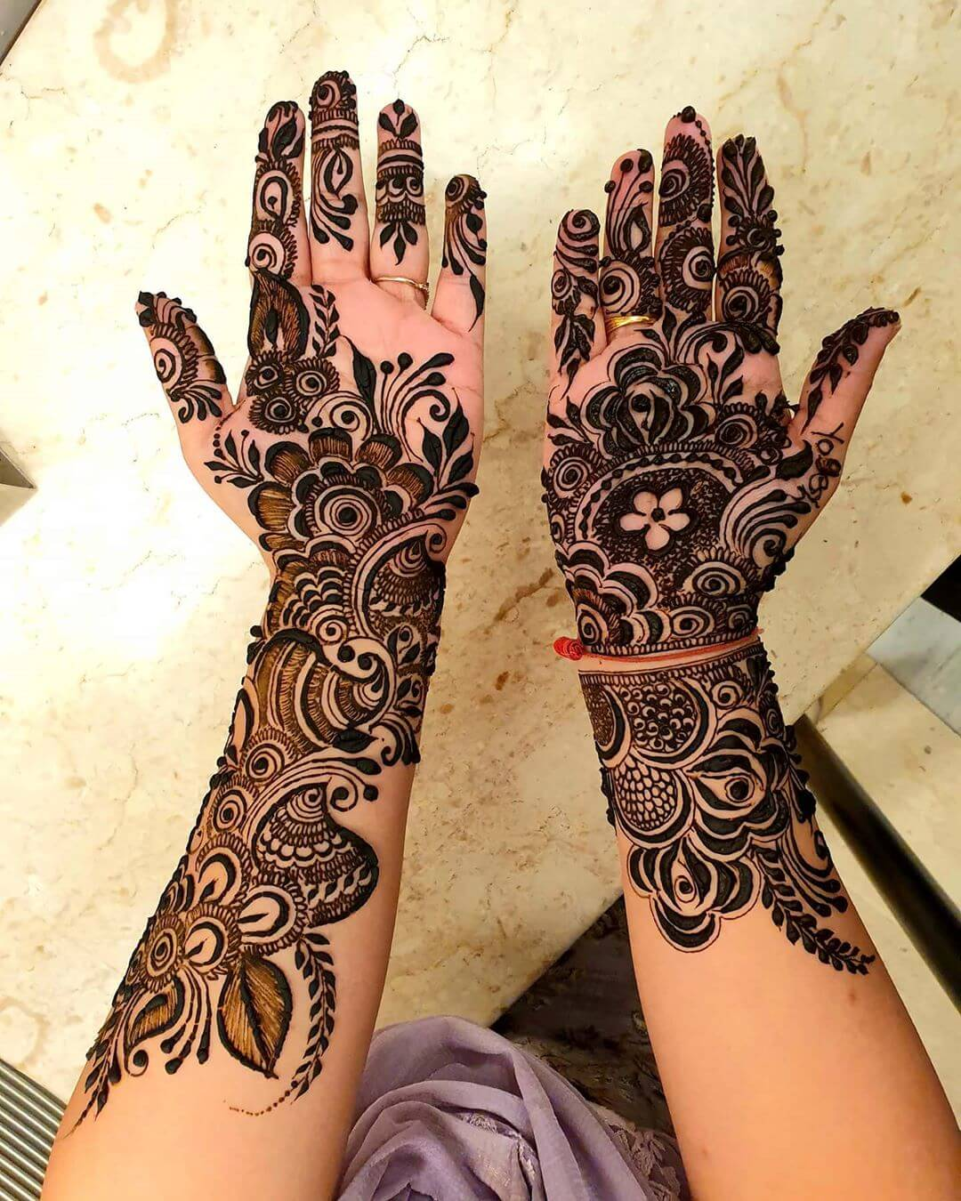 A Partial Beauty Mehndi for Back and Front Hand