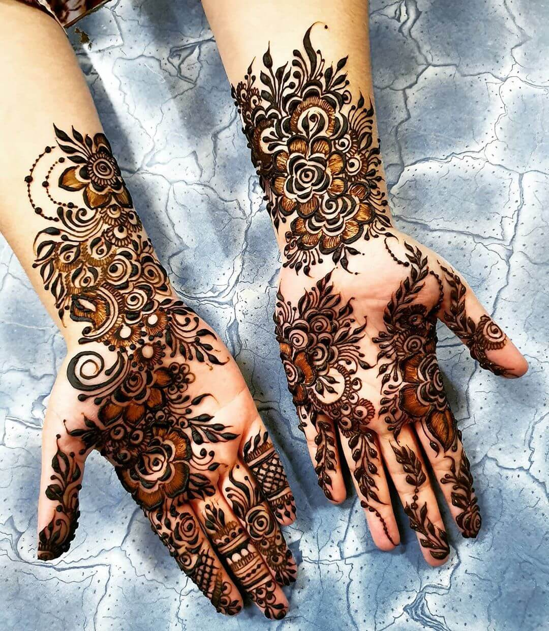 Trailing Beauty Mehndi for Back and Front Hand