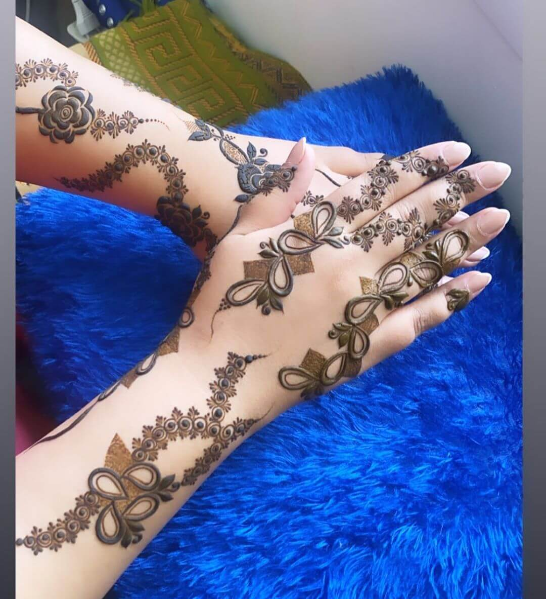 Dots and Diamonds mehndi designs for back hands