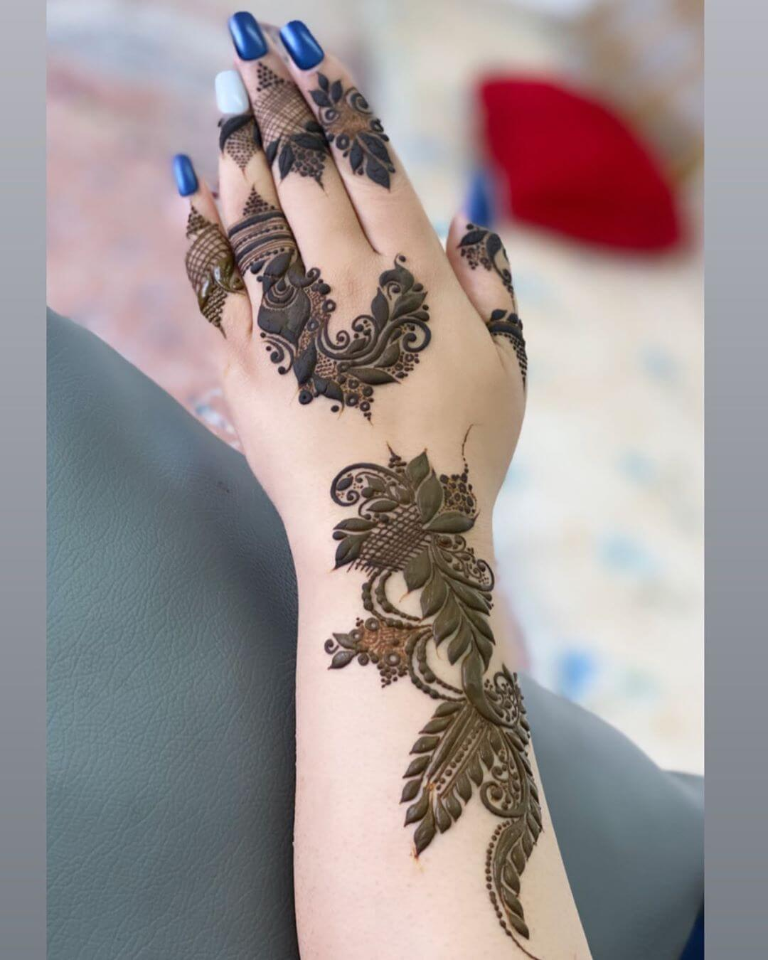 Vines and Mesh mehndi designs for back hands