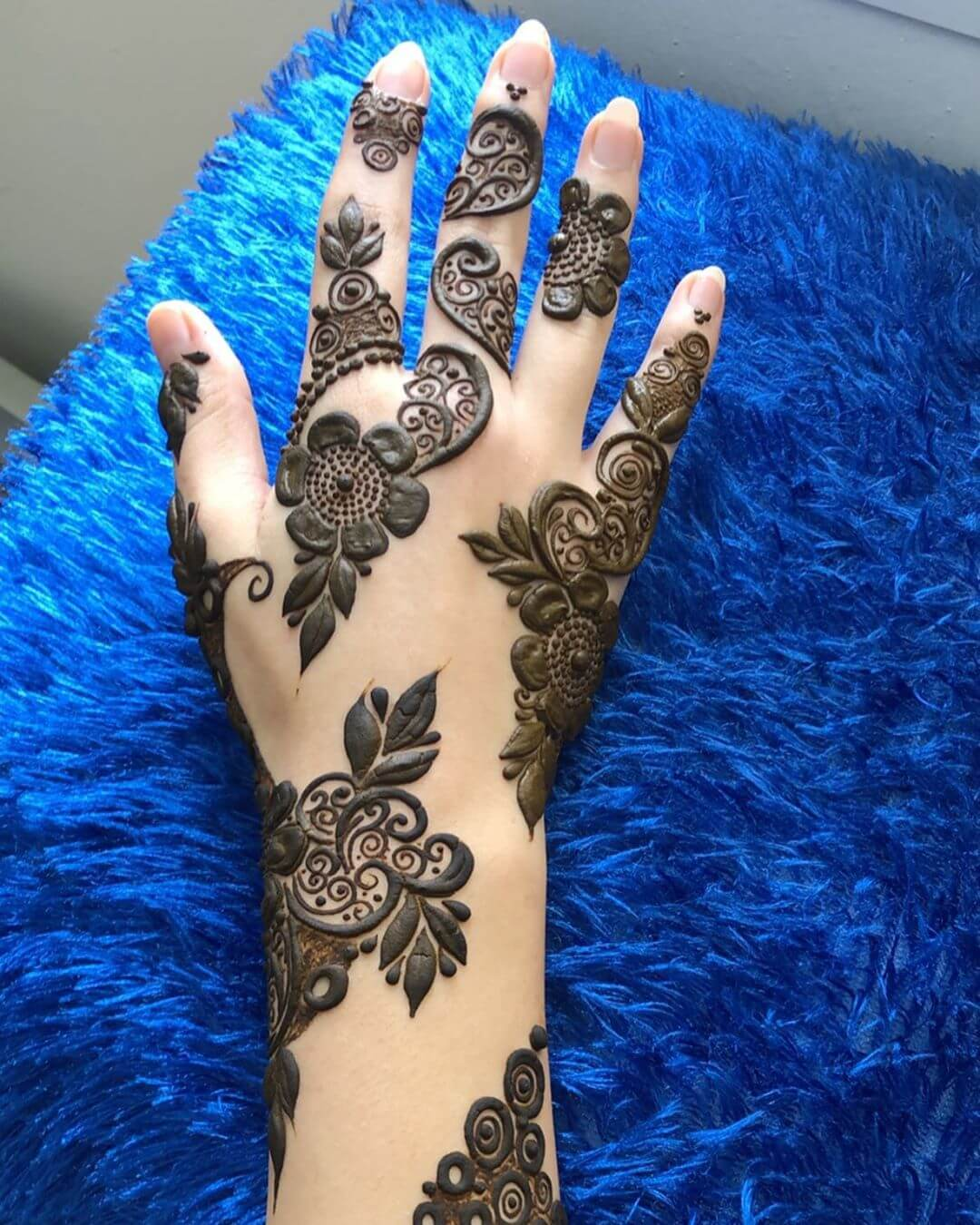 Paisleys with Dots mehndi designs for back hands