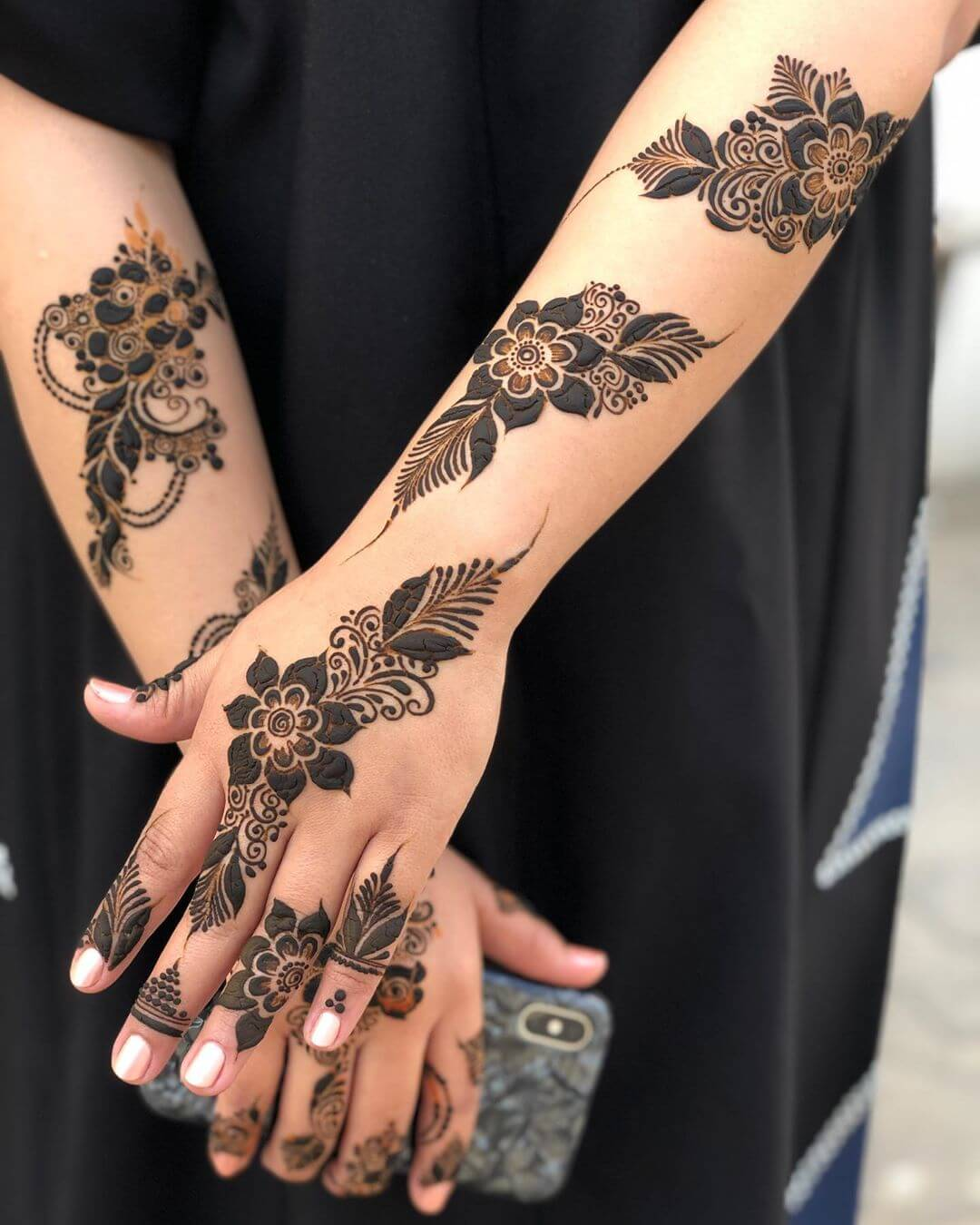 The Floral Finesse mehndi designs for back hands