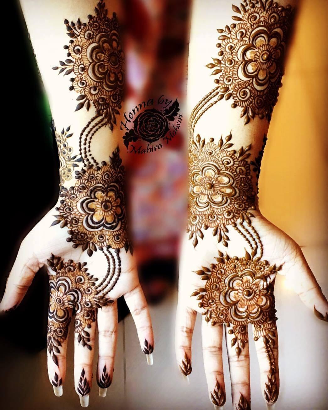 Delightful Bridal Floral Henna Design