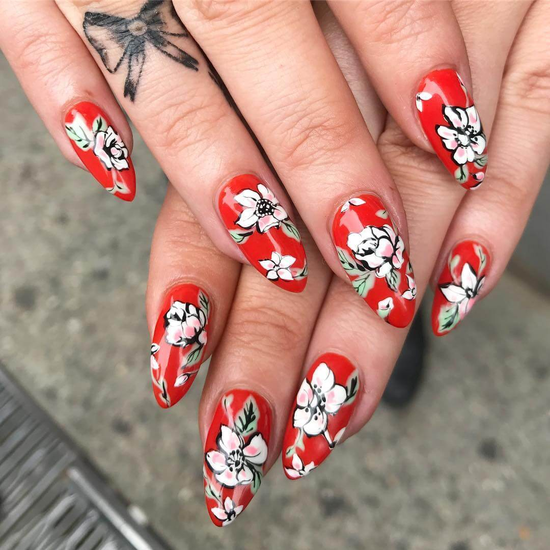 .Contrasting Colors Red and Black Nail Art Designs