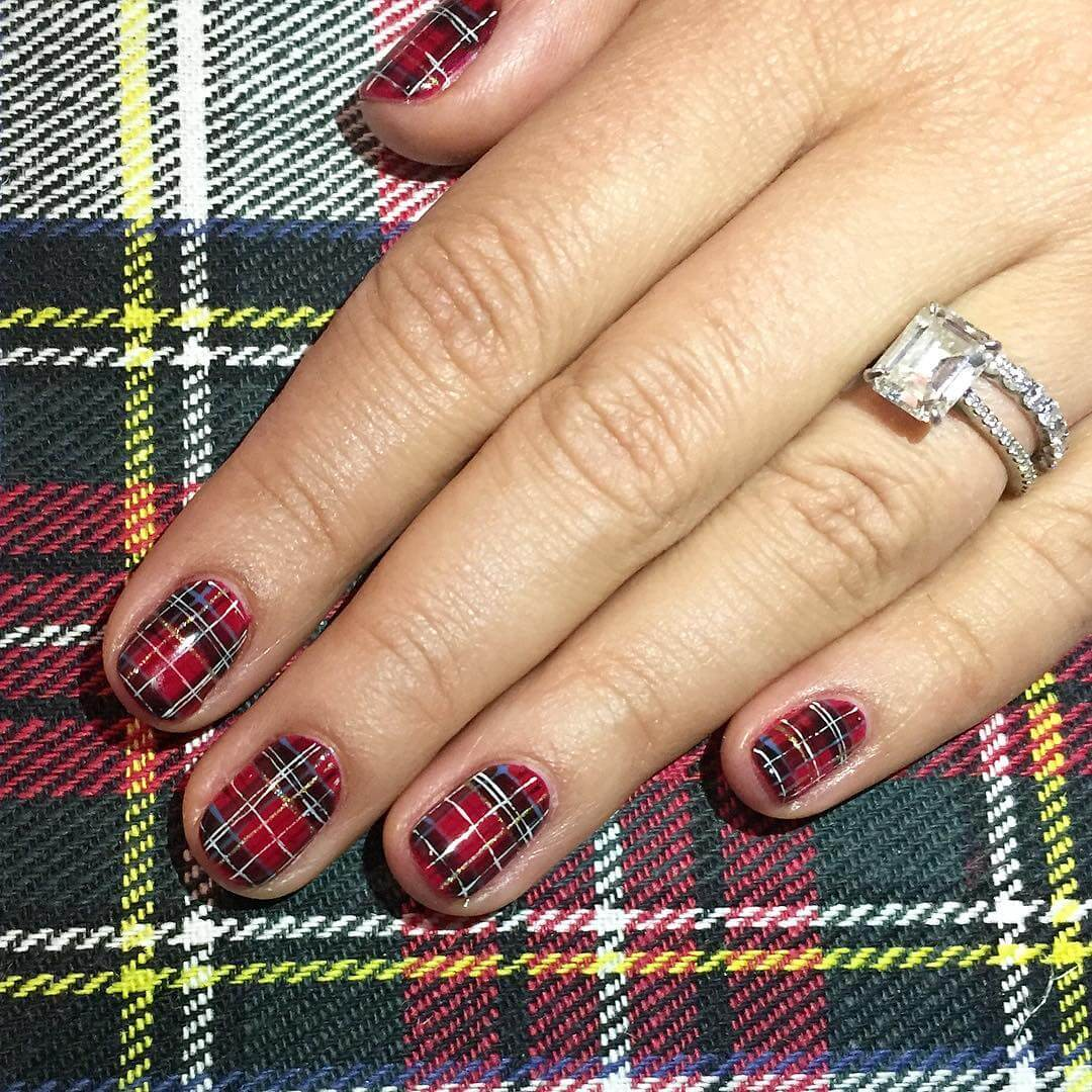 Textured Nails Red and Black Nail Art Designs