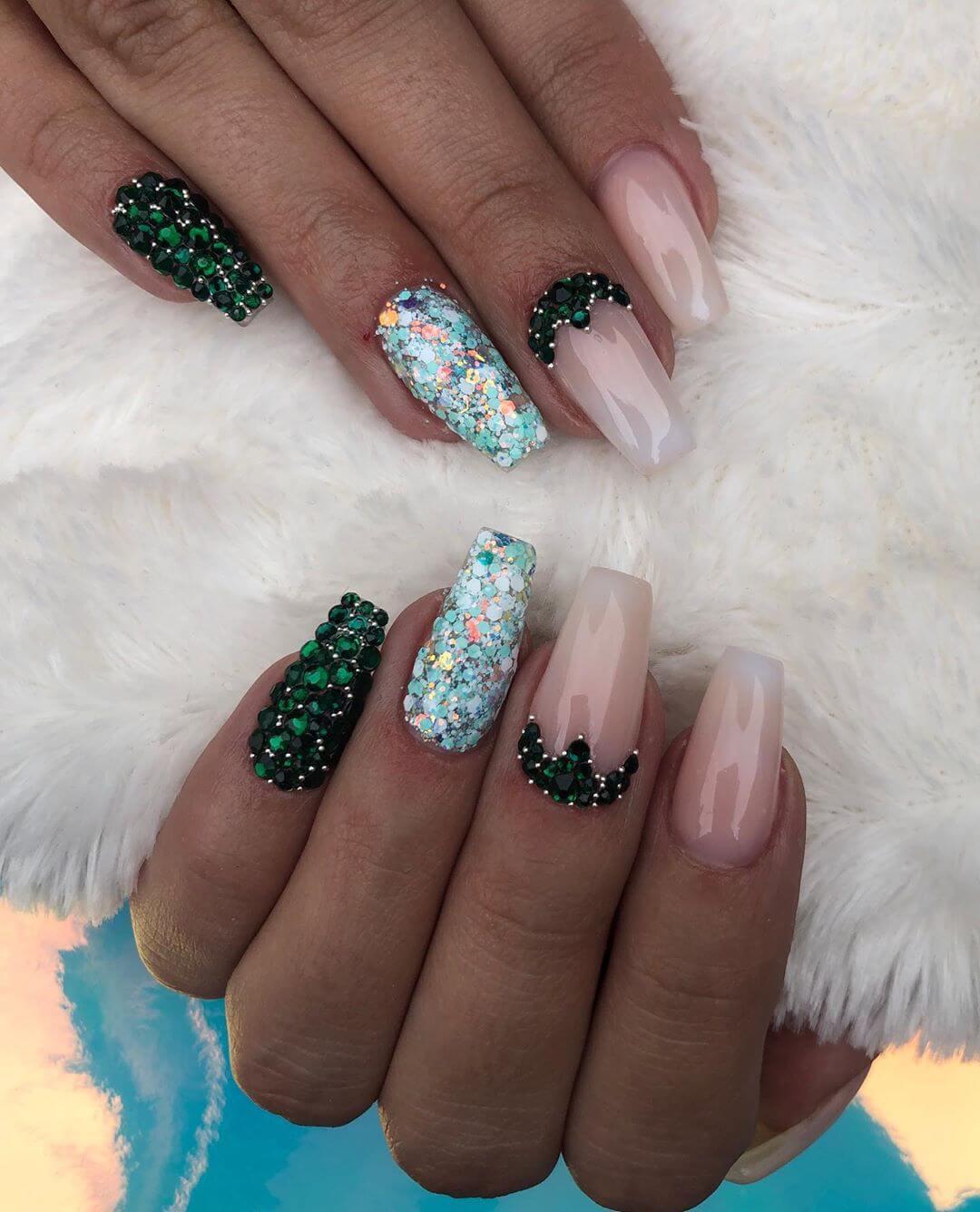 Pretty Blings Rhinestone Nail Art Design