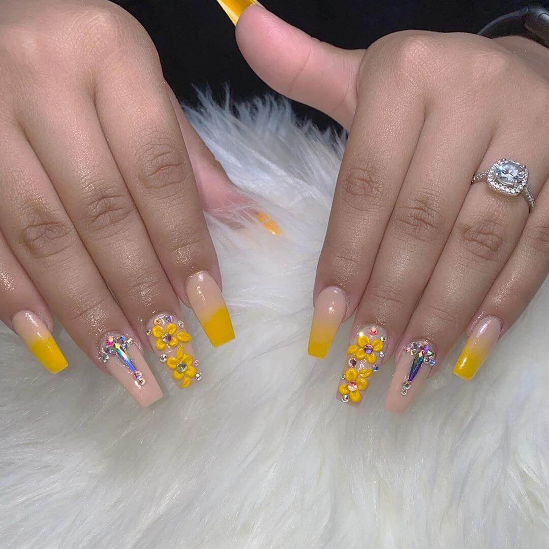 Flowers Rhinestone Nail Art Design