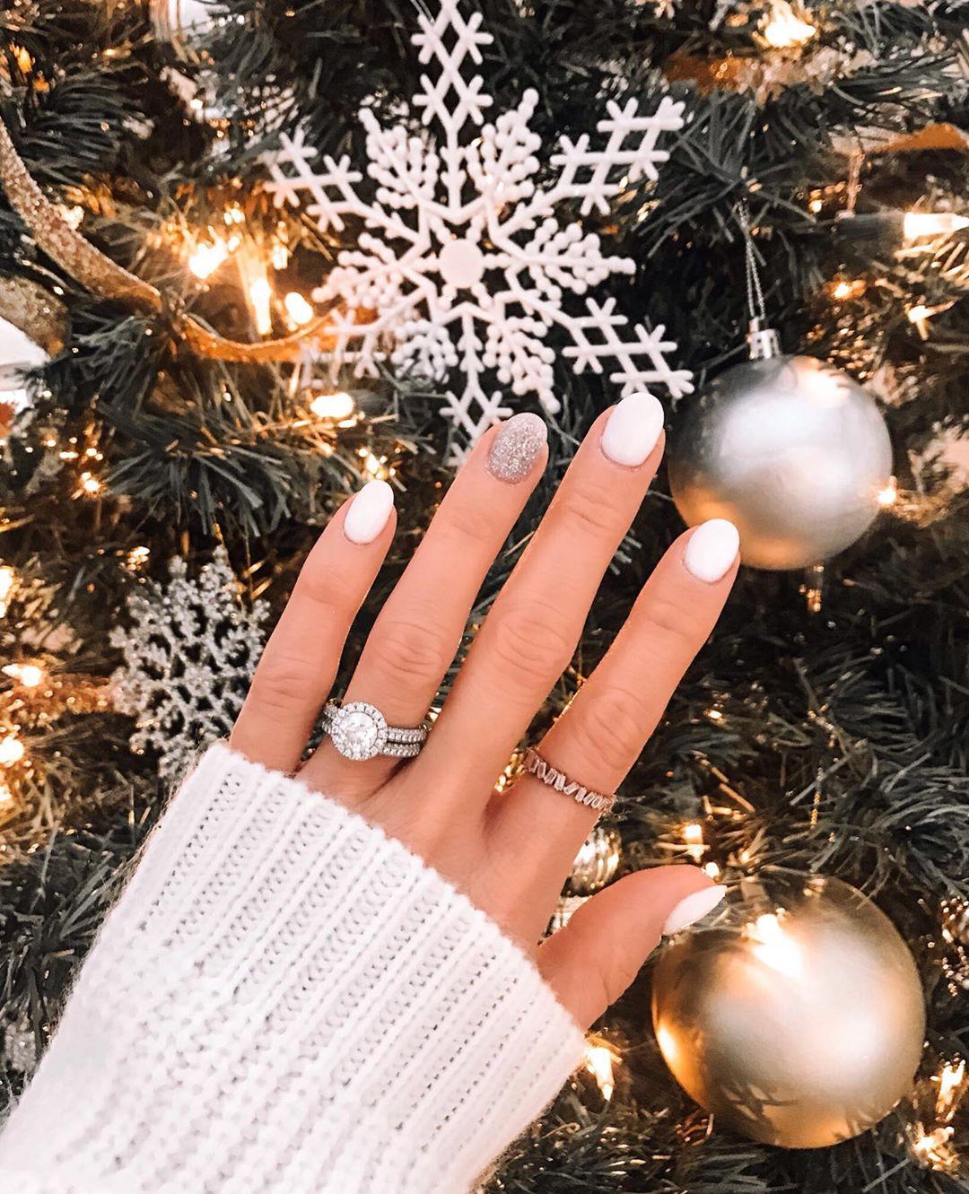 White Snowflakes White Nail Art Designs