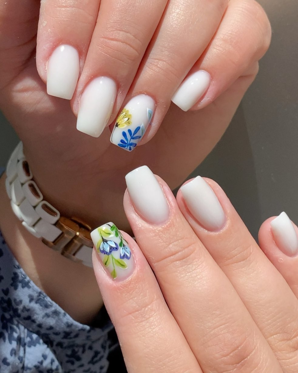 Ice nails with Flowers White Nail Art Designs