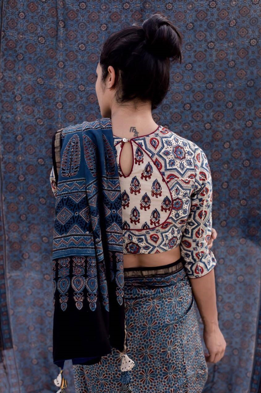 Cotton Sari Blouse With Oval Cut And Print Back Neck Designs