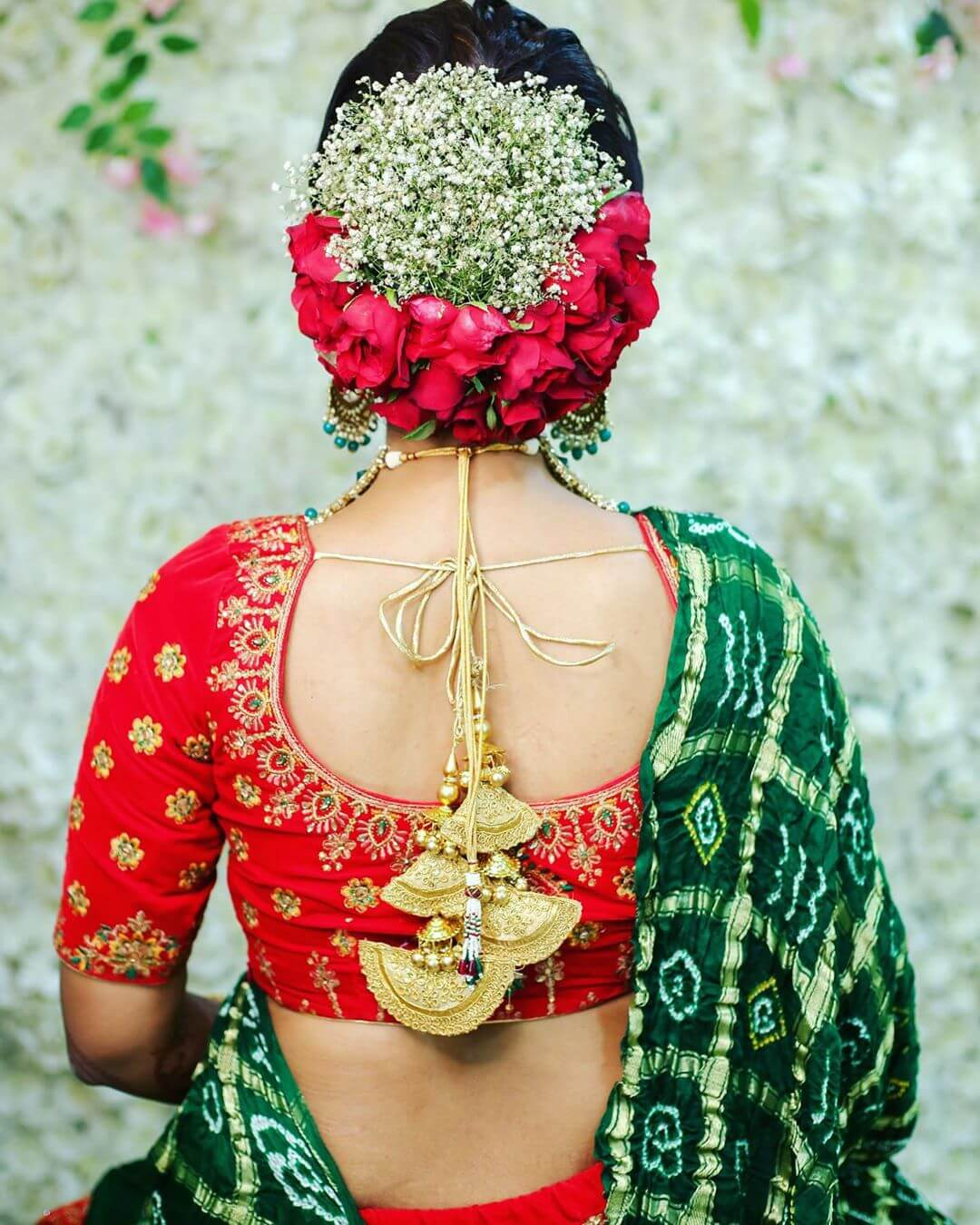 Cliche Red Roses Gujrati Bridal Hairstyles