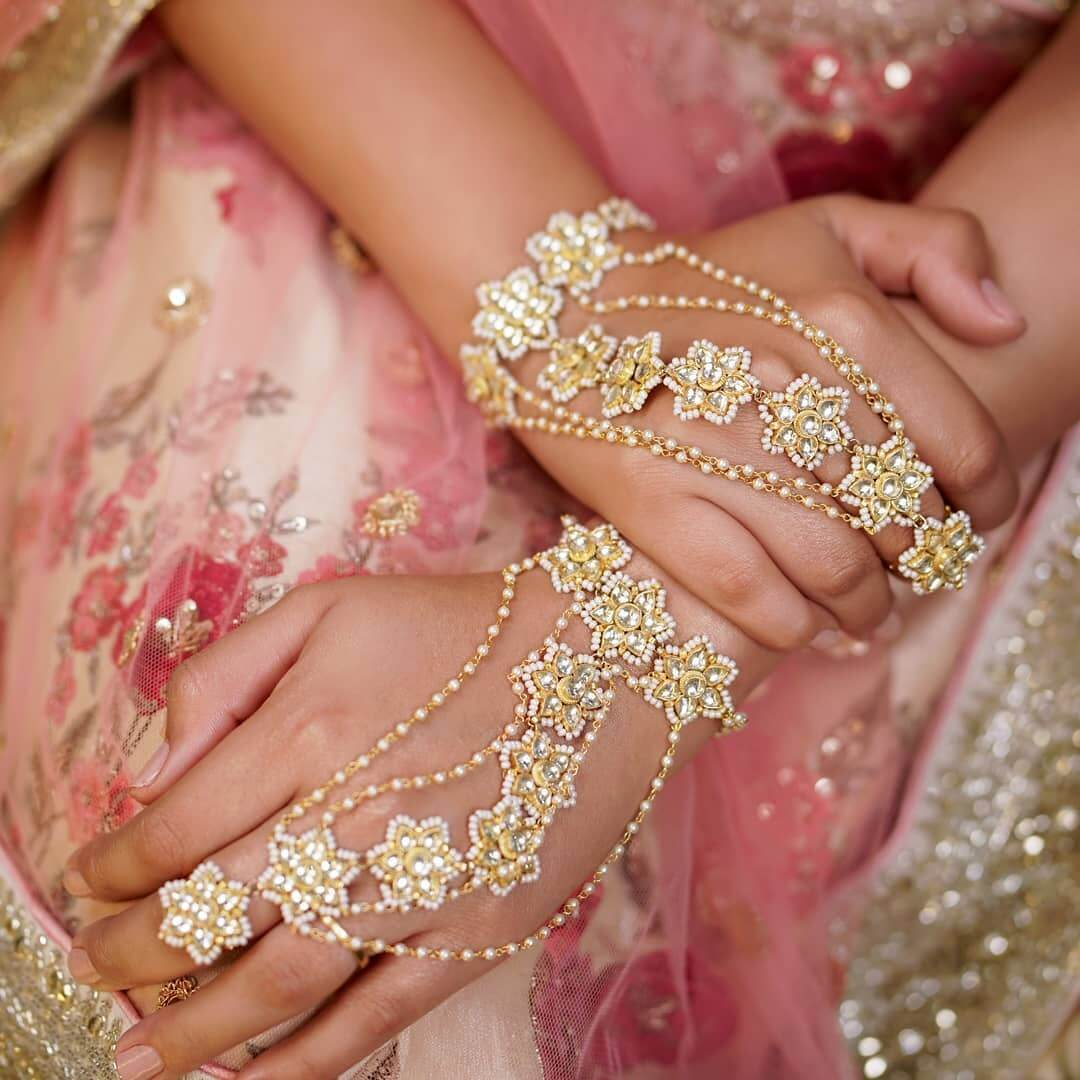 Flower haath phool design For Indian Brides