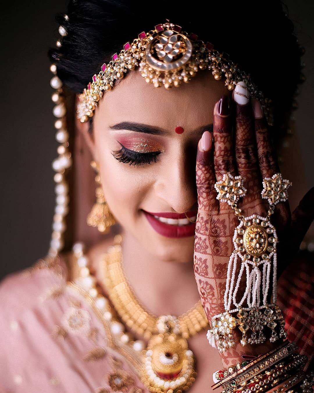 Kundan haath phool Design For Indian Brides