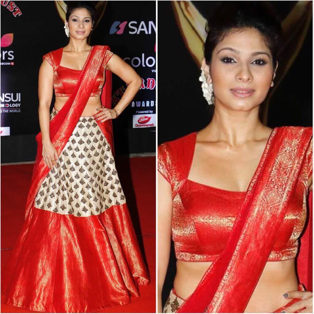 Tanishaa Mukerji Lehenga Blouse Designs With Cap Sleeves For Wedding