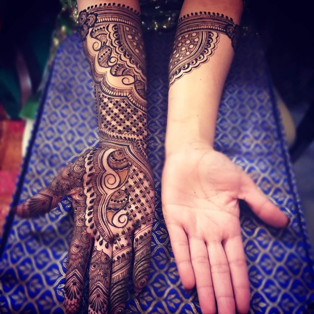 Traditional Mehndi Design For Brides