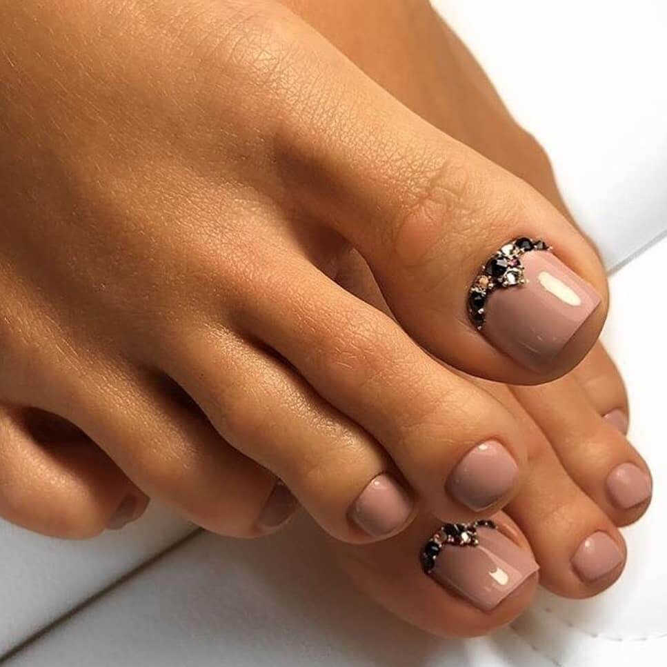 Some gems and some shine Toe Nail Art Designs