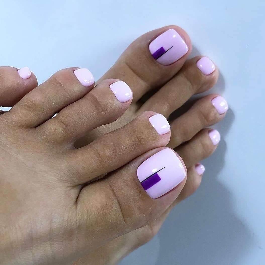 Lilac and dark purple Toe Nail Art Designs