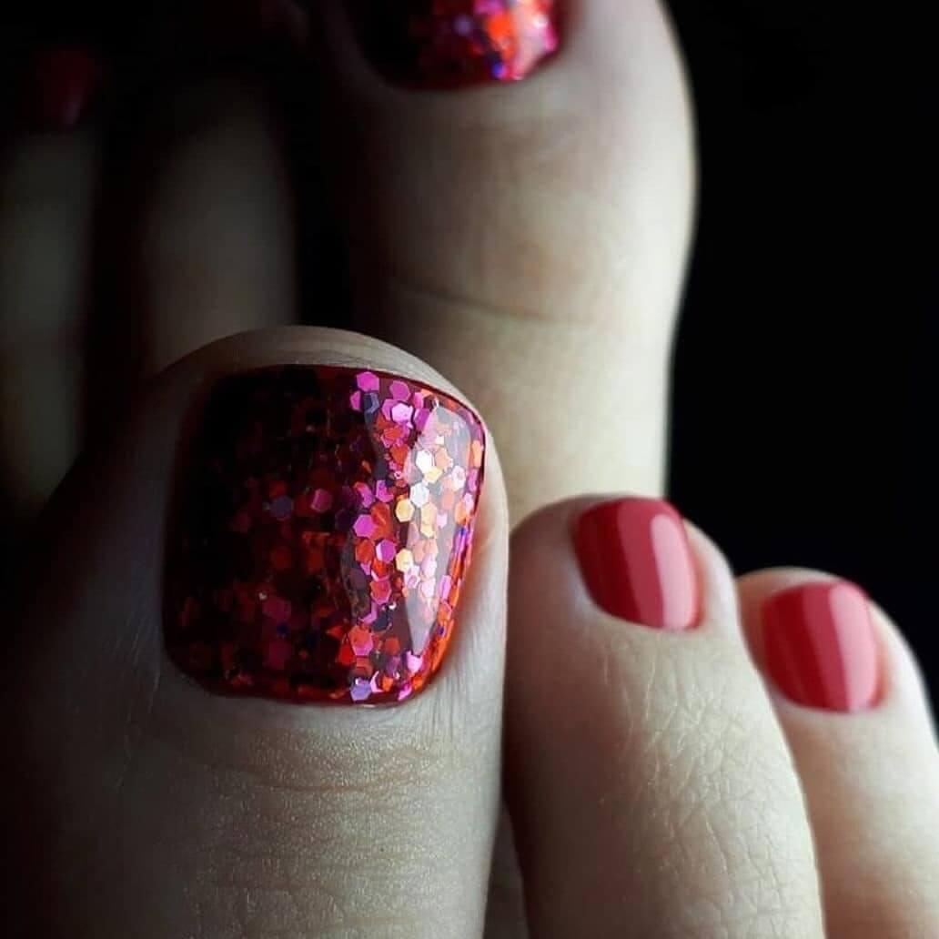 Sparkles and shine Toe Nail Art Designs