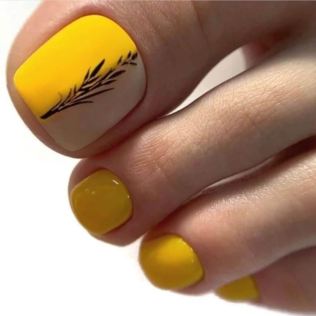 Yellow Sunshine Toe Nail Art Designs