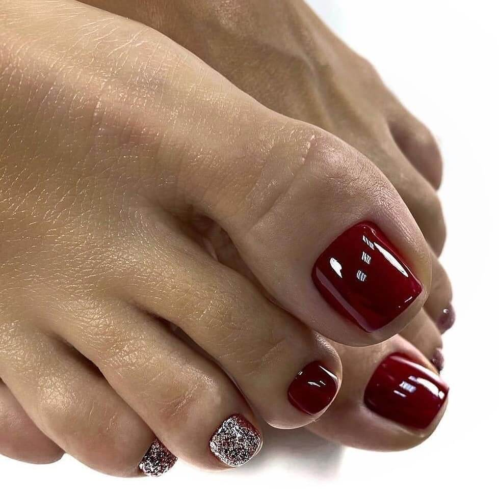 Maroon And Silver Toe Nail Art Designs