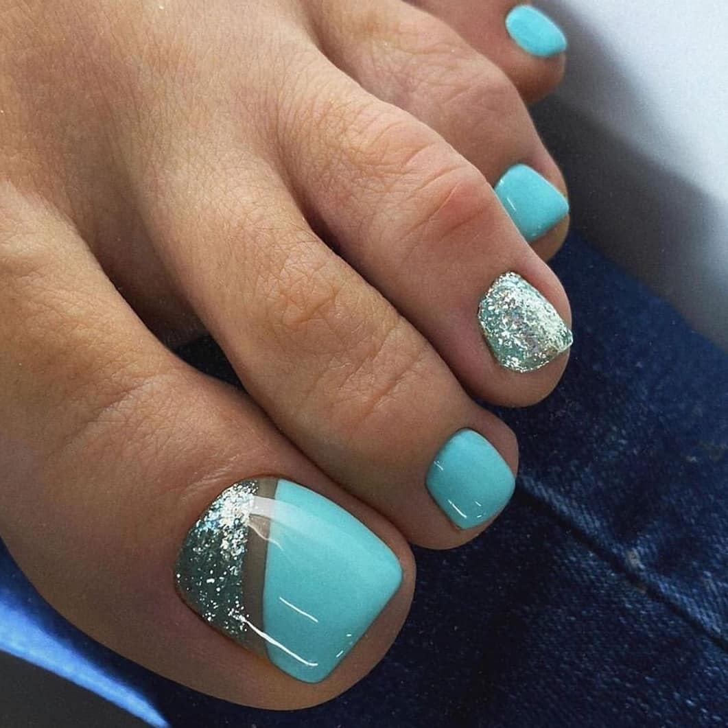 Silver and Blue waters and the cheerful sunshine Toe Nail Art Designs