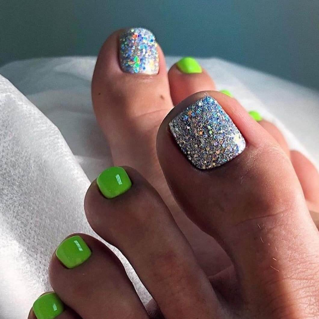 Green And Silver Summer Toe Nail Art Designs