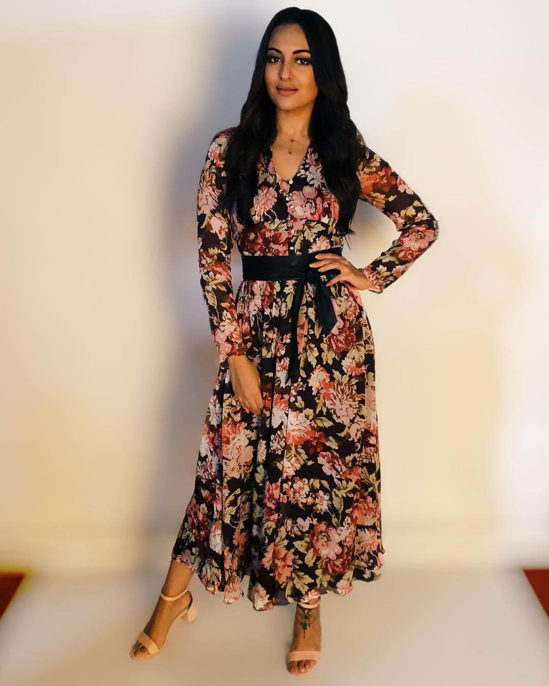 Sonakshi Sinha Floral belted dress Belted Outfit Ideas