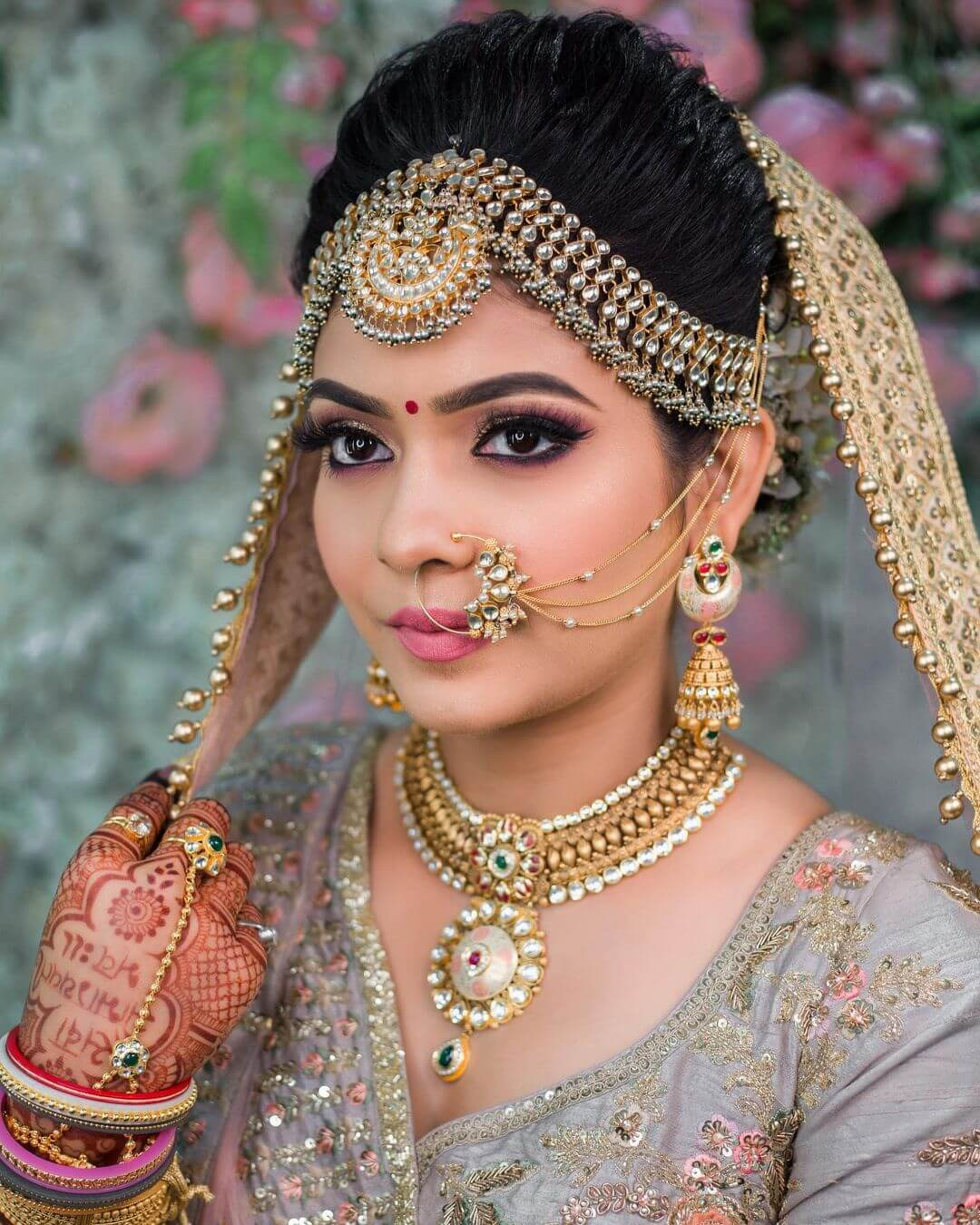 Sophisticated Grey bridal Look
