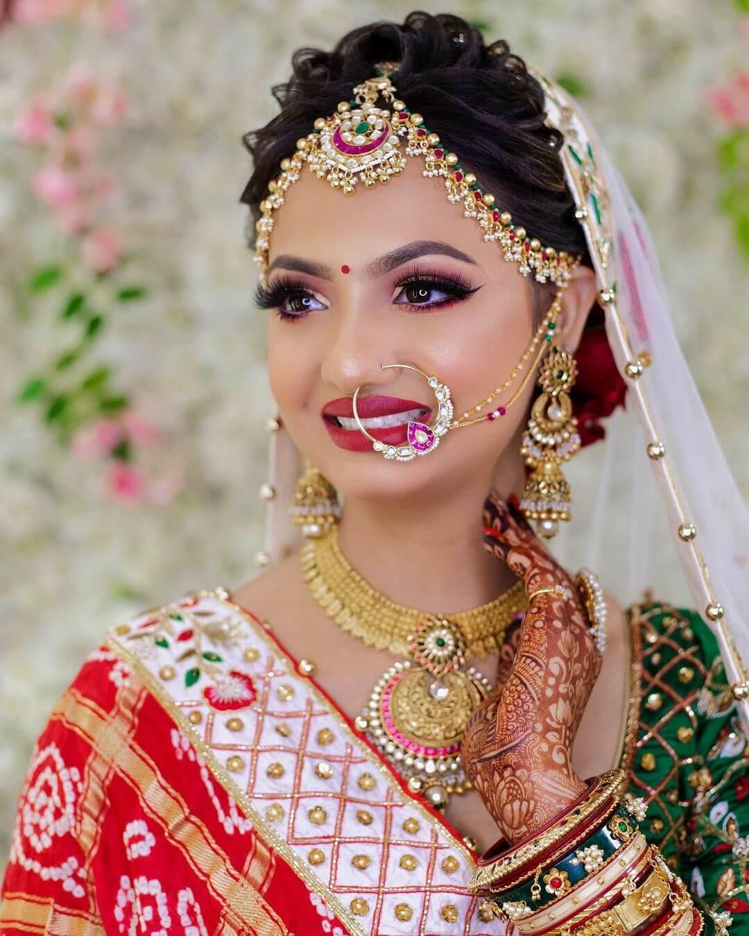 Traditional Bandhani bridal Look - traditional Gujarati bridal makeup looks