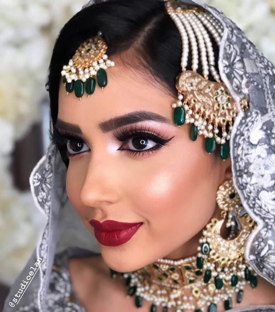Pearl Stringed Passa With Green Stones Designs For Muslim Bride
