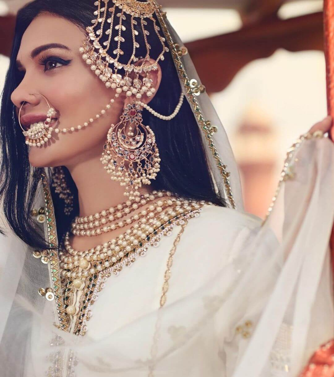 Leaflet Passa With A Nose Ring Passa/Jhoomar Designs For Muslim Bride